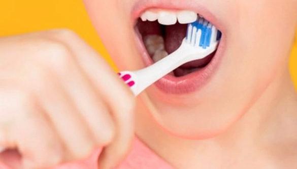 Cómo tener los dientes blancos